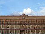 В российские поисковые системы попадает личная информация