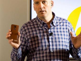 Samsung может повторить судьбу Nokia иBlackBerry— Глава Motorola