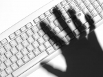 Специалист покибербезопасности отом, как хакеры проникали вбанковские сети