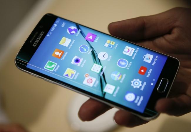 Самсунг собирается выпустить Galaxy S6 Plus