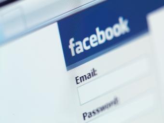 """""""Facebook"""" организовал против """"Google"""" PR-кампанию"""