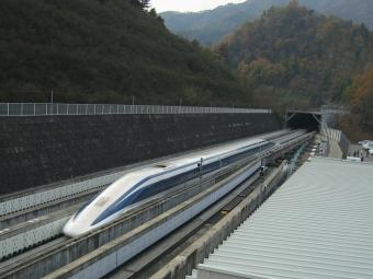 Японский поезд намагнитной подушке попал вкнигу рекордов Гиннесса
