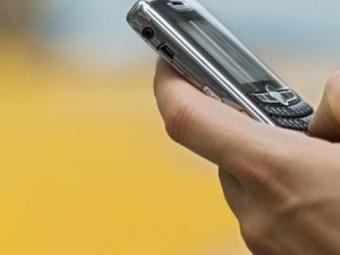 Неменее трети россиян платят зауслуги при помощи сотового телефона