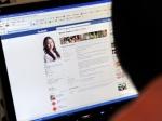 Facebook познакомил американку с женой ее мужа