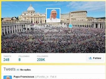 Латинская страница Франциска XVI в твиттере набрала 208 тысяч подписчиков