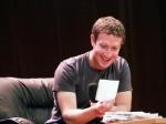 СМИ поверили в «утку» про платный Facebook