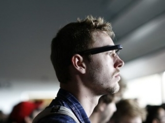 ВGoogle решили «перезагрузить» проект поразработке «умных очков»