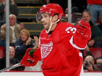 Дацюк набрал два очка в матче НХЛ