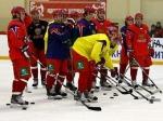 В раздевалке российской молодежки постелили эмблему сборной Канады