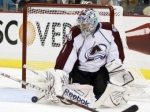 Семен Варламов отразил три буллита в матче НХЛ